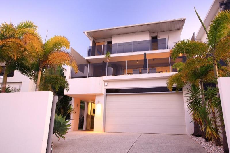 Alex Beach House - ALEX BEACH HOUSE Sunshine Coast Accommodation - Alexandra Headland - rentals