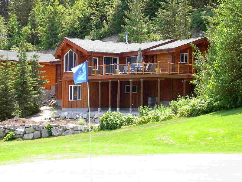 Character log home on the golf course with sweeping views. - Big Ponderosa Pine - Golf! Ski! - Leavenworth - rentals