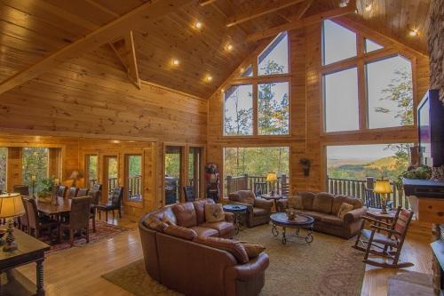 Incredible open floor plan with 2 story ceiling in living room! - Luxury Log Lodge - Firepit, Game Room, Mtn View - Gatlinburg - rentals