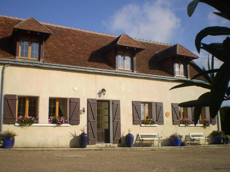 Welcome to Crene - your home away from home! - Idyllic Loches Farmhouses, close to Loire Chateaux - Loire Valley - rentals