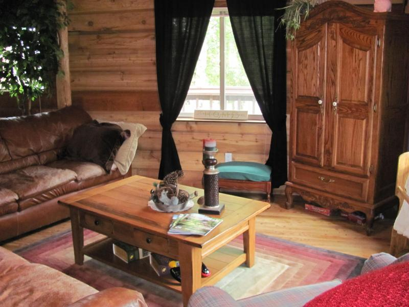 Living Room - A hint of FARM life...Whitefish's finest! - Whitefish - rentals