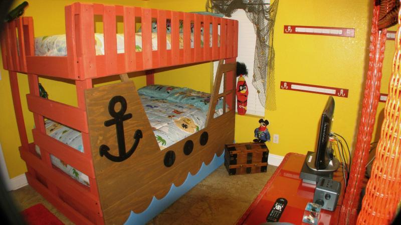 The Pirate Bedroom! - Orange Beach 3 Bedroom Beach Front Condo! - Orange Beach - rentals