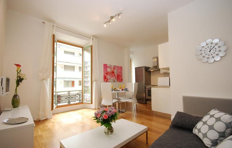 Open Plan Living Area - Stunning 2 Bedroom Apartment, Perfectly Located - Nice - rentals