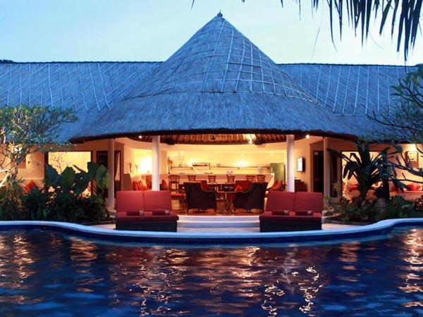 "Presenting the beautiful and classic Bali luxury holiday villa; Akasa Villa. - Akasa Villa ""Absolute Bliss"" Private Pool Seminyak - Seminyak - rentals"