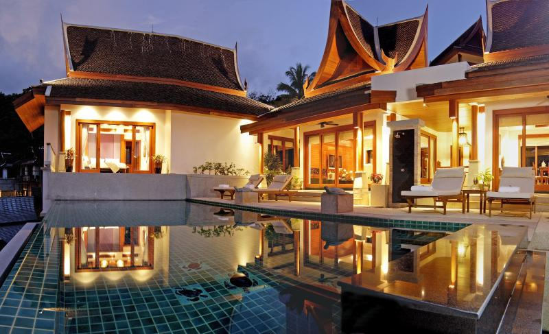 Night View of sundeck and swimming pool. - Four bedroomed villa in beautiful Phuket, Thailand - Cherngtalay - rentals