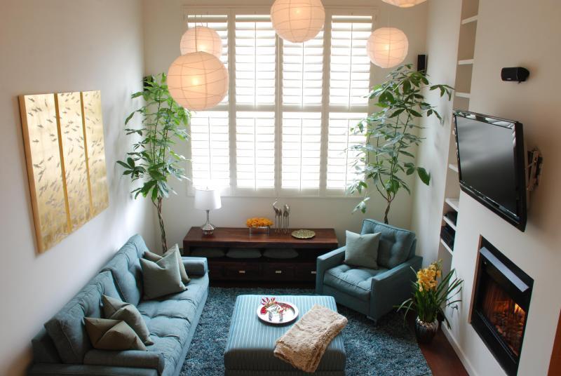 Huge living room, 24' ceilings. - SaMo Loft - Santa Monica - rentals