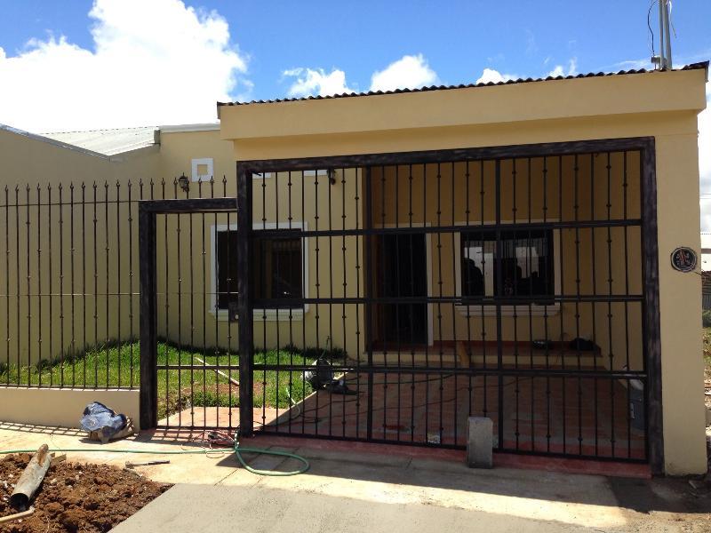 New Rural home Paraíso , Cartago 3Bdrm, 2Bath - Image 1 - Paraiso - rentals