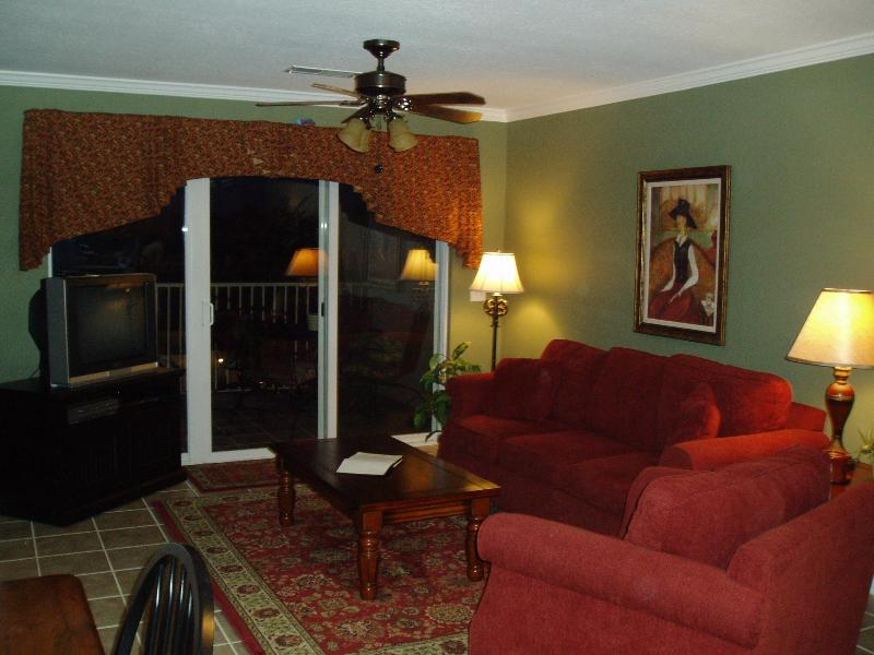 Living Room overlooks Pools and Lakes - Sweet Condo AL-Lake Martin- Enjoy Boating & Golf - Dadeville - rentals