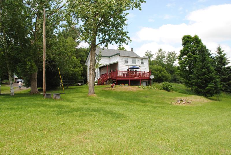 General view of the property - 5br farmhouse minutes from Dreams Park - Milford - rentals