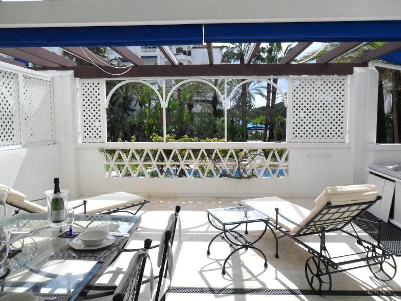 relax on the beautiful sunny south facing terrace - Las Gaviotas, in 5* Playas del Duque, Puerto Banus - Malaga - rentals