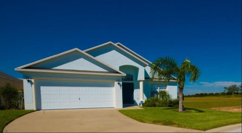 Symphony Blue - 4 Bedroom Executive Villa, Peacefully located - Davenport - rentals