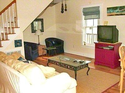 IN-TOWN OAK BLUFFS CONDO - OB SMCS-03 - Image 1 - Oak Bluffs - rentals
