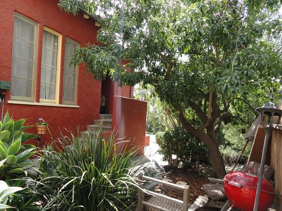 Front Entrance - Lg 2-bedroom Spanish in Prime Silverlake location - Los Angeles - rentals