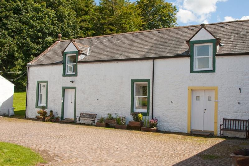 Courtyard Cottages - Kirkwood Cottages, Pet Friendly Nr Annan, Gretna - Lockerbie - rentals
