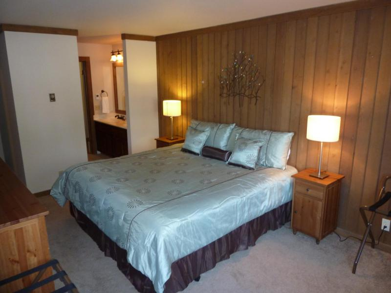 Master Bedroom, bathroom entrance - Updated & Roomy, HDTVs, quiet and comfy - Mammoth Lakes - rentals