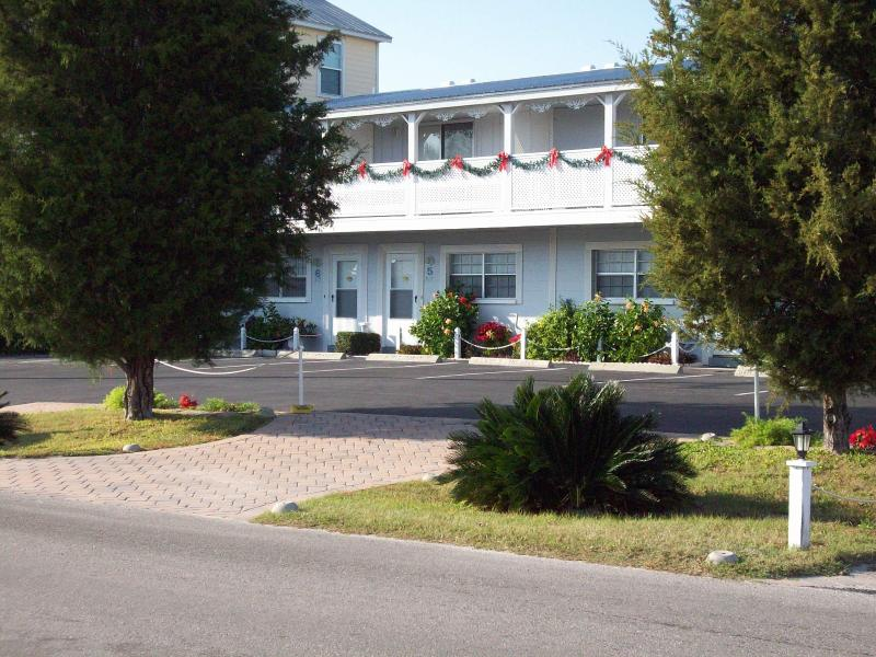 Welcome to our luxury townhouse! - Come home to Seaspray Townhouse At Cedar Key - Cedar Key - rentals
