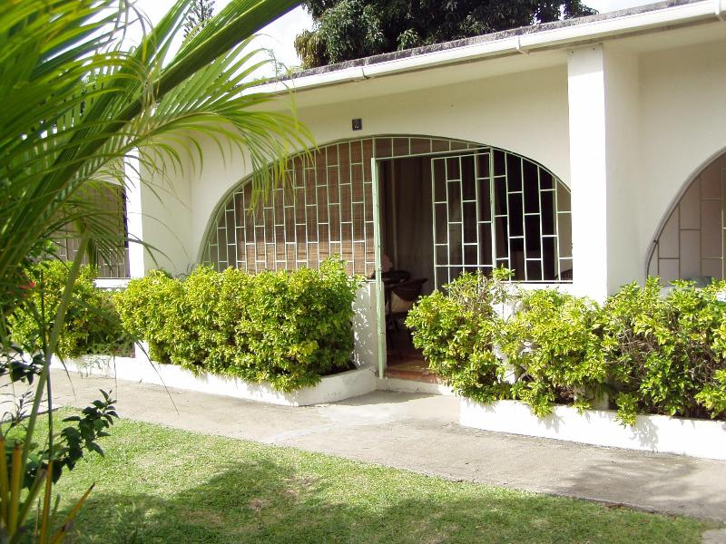 Front entrance with enclosed patio - 1 BR Condo Sunset Crest St James (5 min to beach) - Sunset Crest - rentals