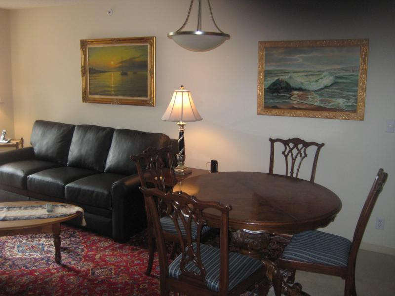 Leather sofasleeper has a queen plus pediatric mattress - Luxury condo steps to Inner Harbor & Heart of City - Victoria - rentals