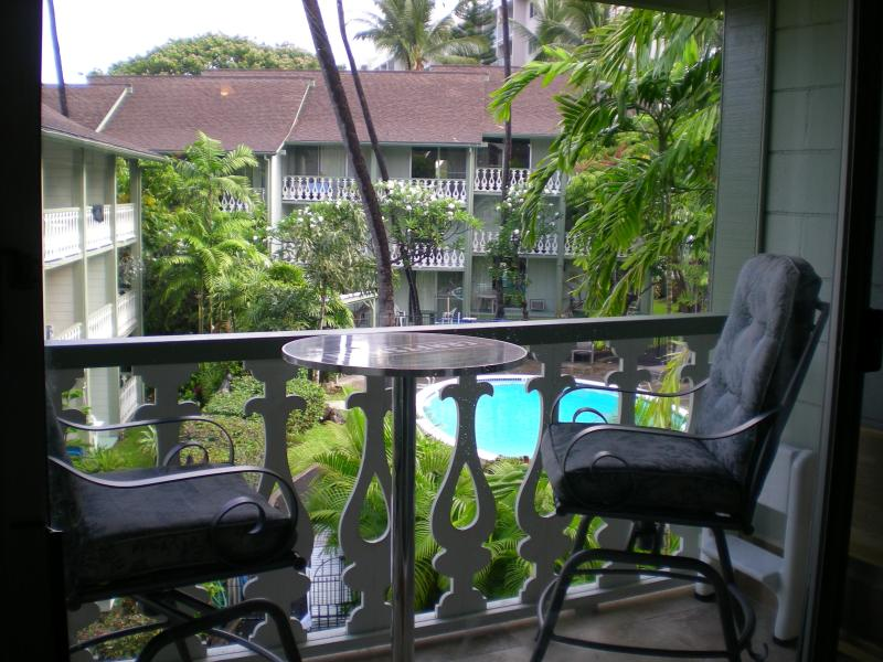 It is lovely sitting on the lanai listening to the birds and seeing the geckos... - PERFECT Location in the heart of Kailua Kona, HI - Kailua-Kona - rentals