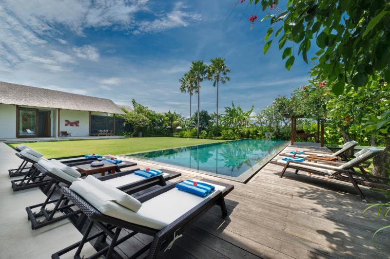 Kavya Main Pool - Villa Kavya Berawa Beach Canggu Bali Modern Luxury - Canggu - rentals