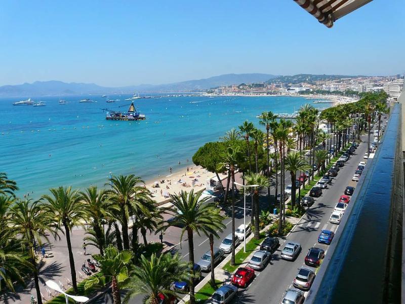 view from the loggia vue de la terrasse - cannes Croisette  loggia  7th floor 2 rooms wifi garage all inclusive - Cannes - rentals