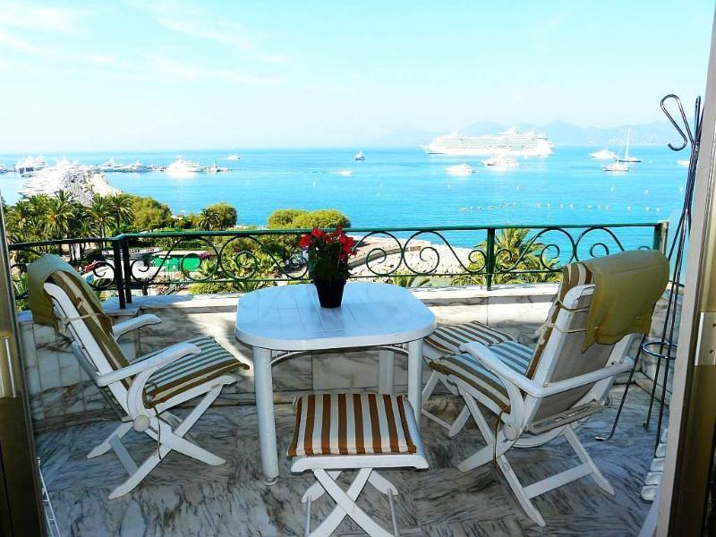 terrace - Cannes Croisette seaview 1bedroom flat garage wifi - Cannes - rentals