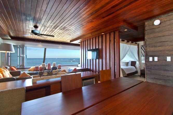 Spectacular Beach Front Waikiki/Diamond Head Sudio - Image 1 - Honolulu - rentals