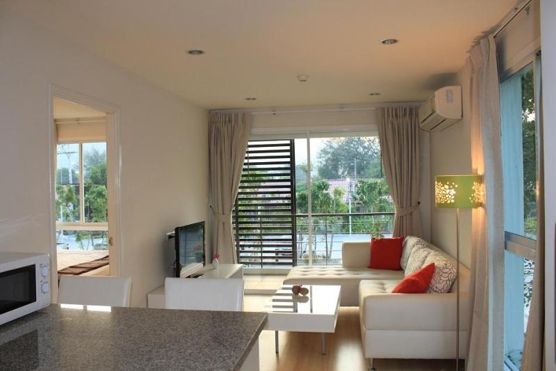 living room - lovely 1-bed corner unit in the heart of Hua hin - Hua Hin - rentals