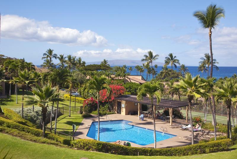 Wailea Ekahi 28D has a sweeping ocean view. This is one of the 4 Ekahi pools, right below our condo! - WOW !  WHAT A GREAT VIEW ! ---Great Reviews ! - Wailea - rentals