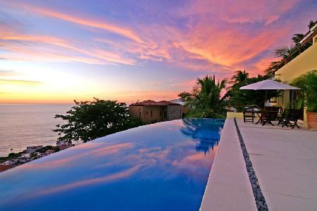 Castillo Encantado- serene ocean- hillside views, infinity pool & full staff - Image 1 - Puerto Vallarta - rentals