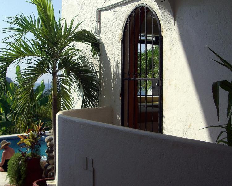 Enterance - Condo Serenidad - Zihuatanejo - rentals