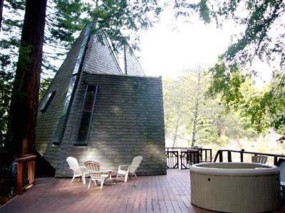 Pyramid House, Large Deck with Hot Tub and river Views - Pyramid House - Monte Rio - rentals