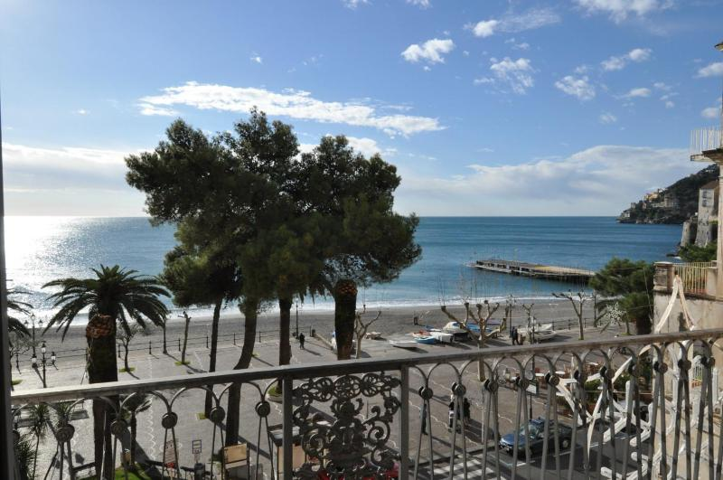 Sea view from the balcony of the living room - La Risacca - Sea front comfortable apartment - Minori - rentals