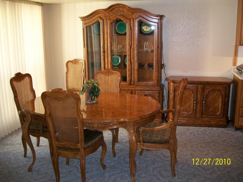 Dining Room - LUXURY 2 BEDROOM NORTH PHOENIX CONDO , LOW RATES - Phoenix - rentals