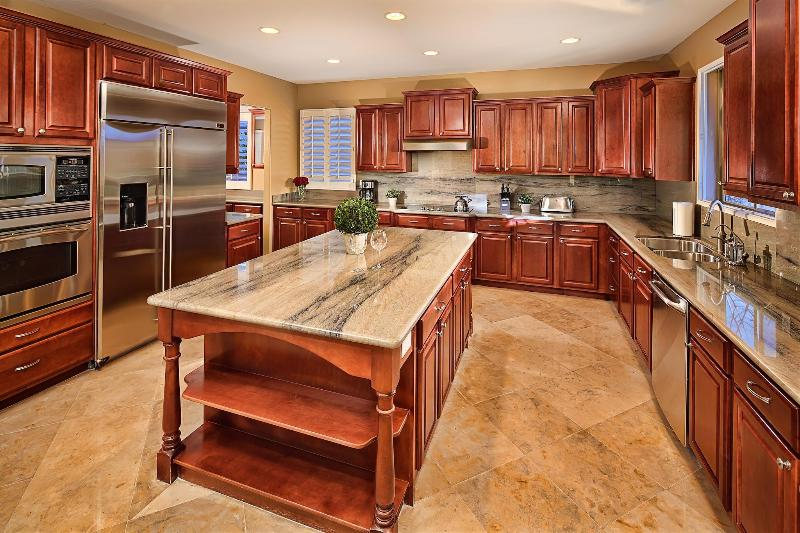 Full Kitchen - Upgraded with Granite Counter Tops - Fall Promotion! Luxury Home with Everything Needed - Cave Creek - rentals