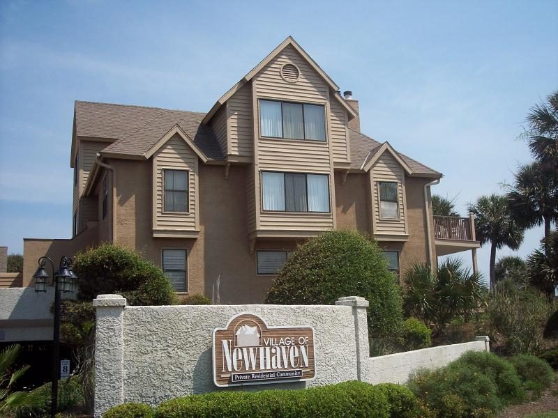 Villageof Newhaven - OCEAN FRONT CONDO rented as 1, 2, or 3 bedrooms - Fripp Island - rentals