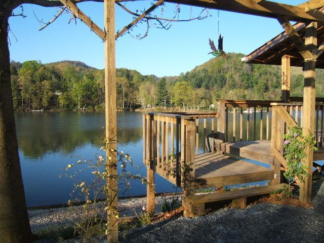 Watauga Lake Front Bass Bungalow - Reserve online & save time and $ Click book tab BB - Butler - rentals
