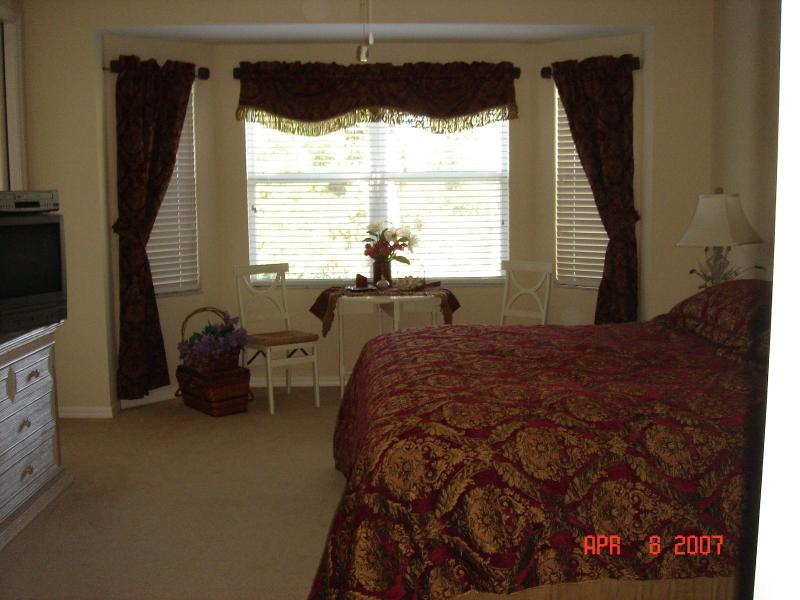 Master Bedroom with Full Shower and Soak Tub - Rookery Pointe  - The Perfect Place To Nest - Estero - rentals