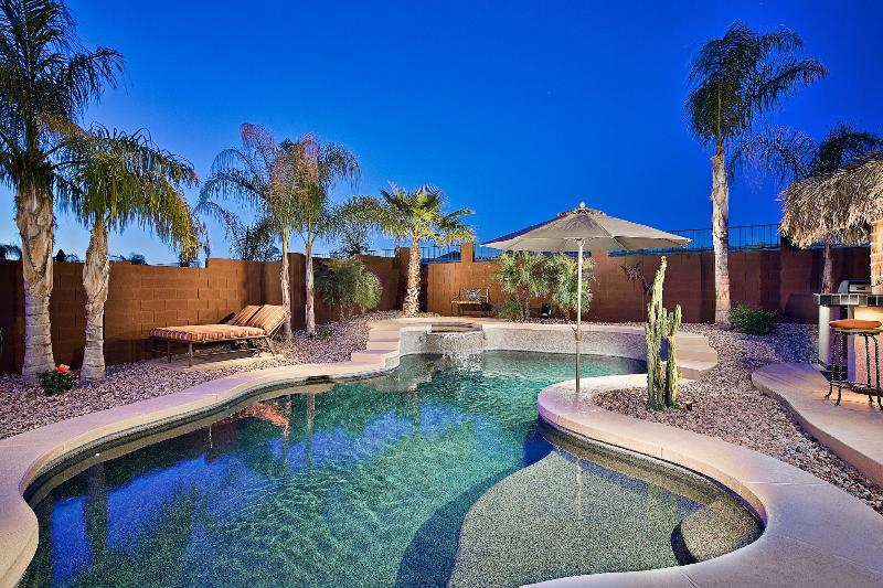 Resort style backyard - Heated Pool & Spa - Extra 20% Off Now - Heated Pool, Hot Tub, Views - Phoenix - rentals