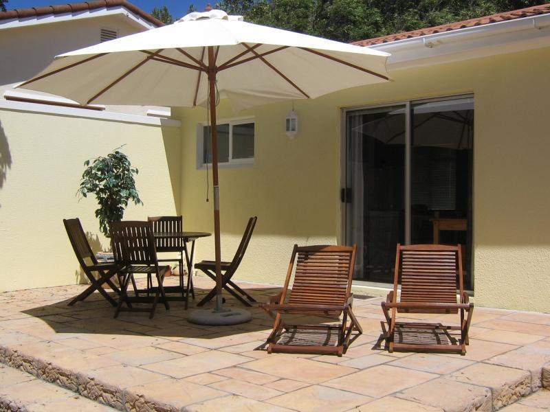 Cottage Chardonnay - Patio - Cottage Chardonnay at Constantia Cottages - Cape Town - rentals