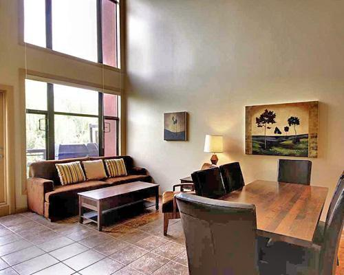 Fully furnished, equipped & spacious - Beautiful SPACIOUS 2-BR Resort Condo with LOFT - Kelowna - rentals