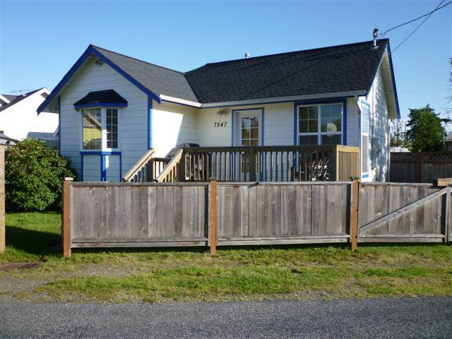"The Mermaid Hutch! ~ completely fenced - Birch Bay's ""The Mermaid Hutch""! - Birch Bay - rentals"