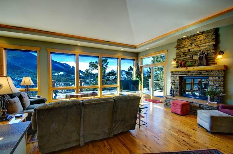 Almost Heaven at Windcliff: PANORAMIC Great Room & Deck Views, Wildlife, Nature - Image 1 - Estes Park - rentals