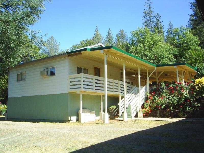 Guest Apartment sleeps 5 - Yosemite JuniperCrest Vacation Apartment - Midpines - rentals