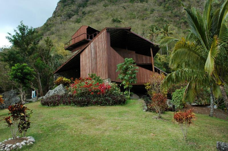 Out Side View - Maison des 'Etoiles in the World Heritage Site - Soufriere - rentals