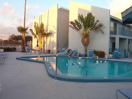 2-Bedroom Condo, Great Value on the Bay, MBYC - Image 1 - Madeira Beach - rentals