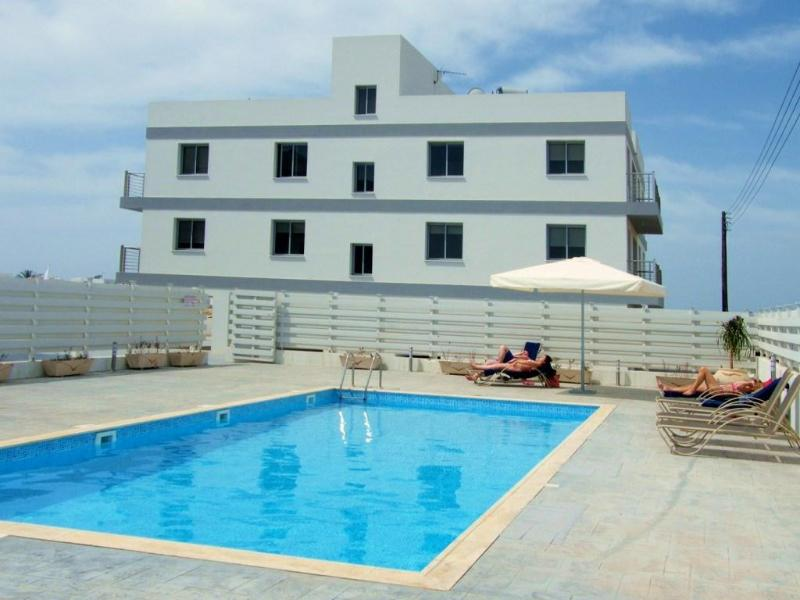 Spacious pool to relax in the sun... - Luxurious Apartment with Pool in Pervolia Cyprus. - Pervolia - rentals
