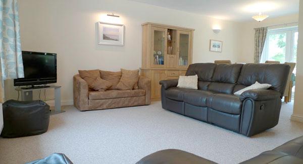 Pet Friendly Holiday Cottage - Turnstones, St Ishmaels - Image 1 - Pembrokeshire - rentals