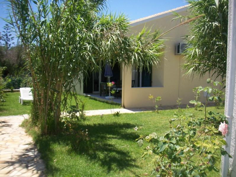 entrance to villa - FLOWER VILLA 6, 2 BEDROOMS - 250M FROM THE BEACH - Argyrades - rentals