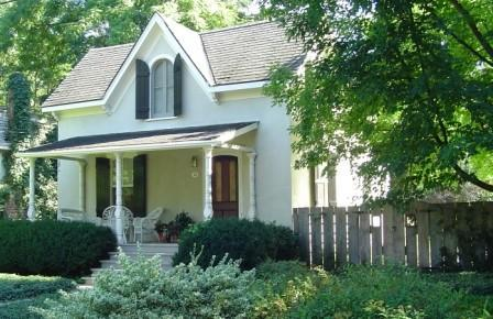 Periwinkle Cottage - Periwinkle Cottage - private garden & heated pool - Niagara-on-the-Lake - rentals